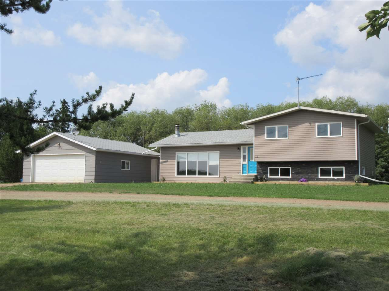 Main Photo: RR 224 Twp Rd 604: Rural Thorhild County House for sale : MLS®# E4123013