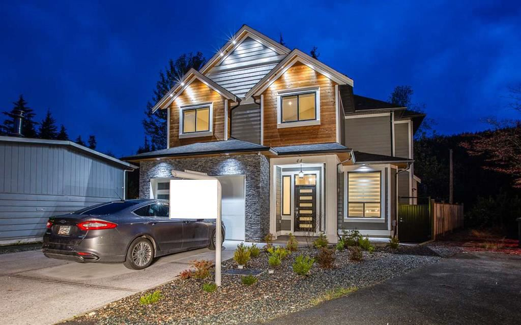 """Main Photo: 44 3295 SUNNYSIDE Road: Anmore House for sale in """"COUNTRYSIDE VILLAGE"""" (Port Moody)  : MLS®# R2318793"""