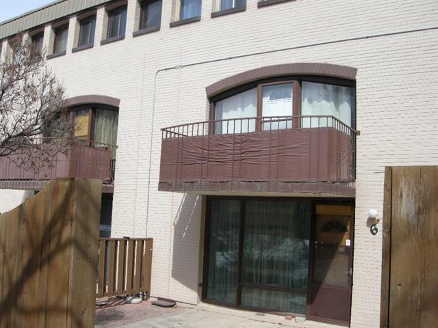 Main Photo: 6 3483 portage Avenue in Winnipeg: Crestview Condominium for sale (5H)  : MLS®# 1830928