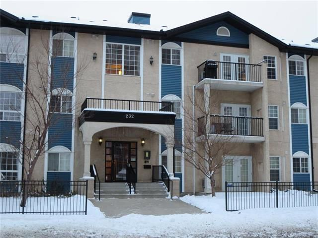 1.018 sq.ft., 2 Br 2 Baths, Elevator, Parking, All utilities incl.