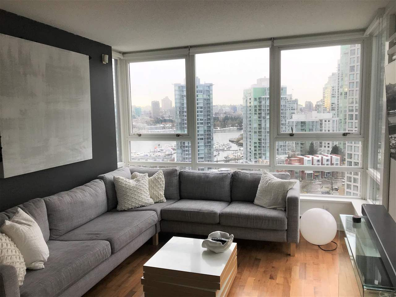 Beautiful View over False Creek. Spacious unit with master bedroom and den/2nd bedroom.
