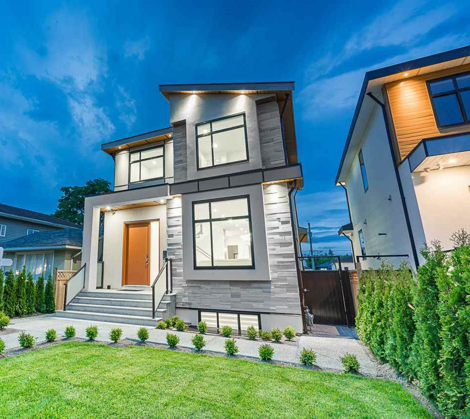 Main Photo: 8017 16TH Avenue in Burnaby: East Burnaby House for sale (Burnaby East)  : MLS®# R2385237