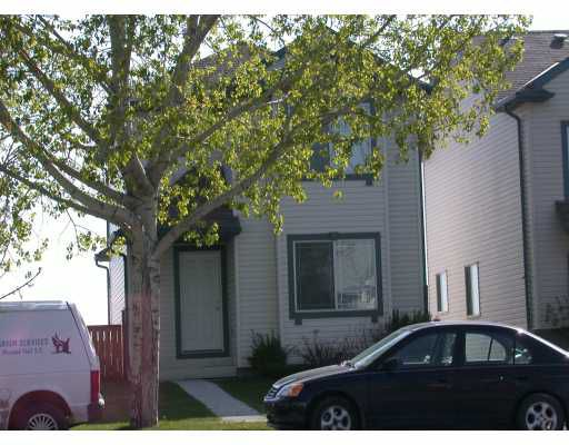 Main Photo:  in CALGARY: Shawnessy Residential Detached Single Family for sale (Calgary)  : MLS®# C3126119