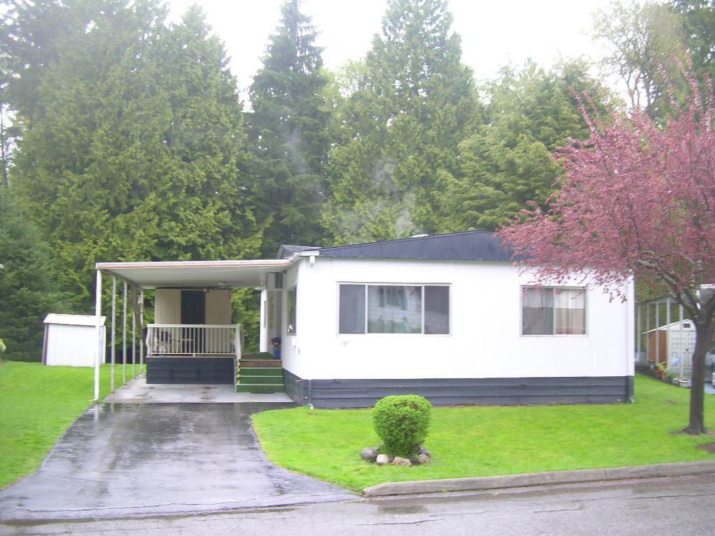 """Main Photo: 157 7790 KING GEORGE Boulevard in Surrey: East Newton Manufactured Home for sale in """"Crispen Bays"""" : MLS®# R2038098"""