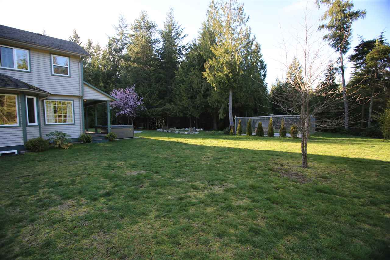 Photo 4: Photos: 5980 SECHELT INLET Road in Sechelt: Sechelt District House for sale (Sunshine Coast)  : MLS®# R2045230