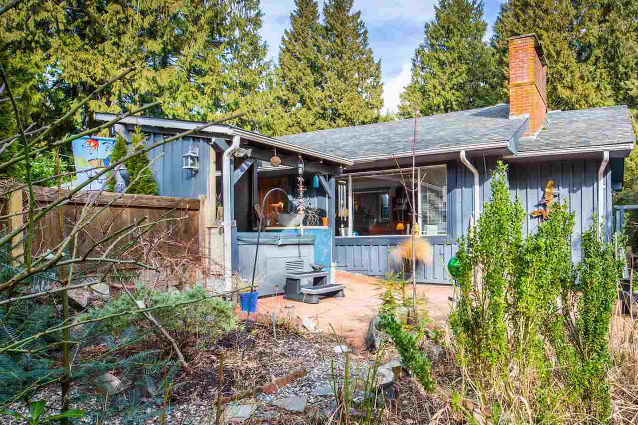 Main Photo: 7791 LOHN Road in Halfmoon Bay: Halfmn Bay Secret Cv Redroofs House for sale (Sunshine Coast)  : MLS®# R2139778
