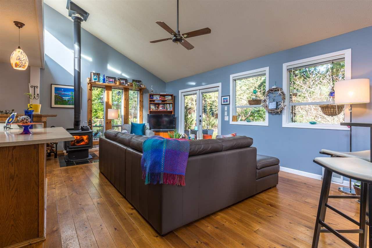 Photo 8: Photos: 7791 LOHN Road in Halfmoon Bay: Halfmn Bay Secret Cv Redroofs House for sale (Sunshine Coast)  : MLS®# R2139778