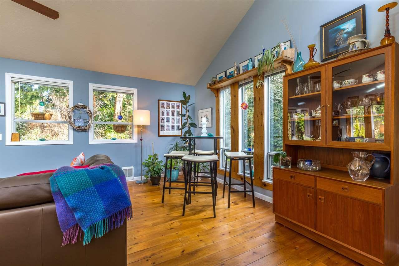 Photo 7: Photos: 7791 LOHN Road in Halfmoon Bay: Halfmn Bay Secret Cv Redroofs House for sale (Sunshine Coast)  : MLS®# R2139778