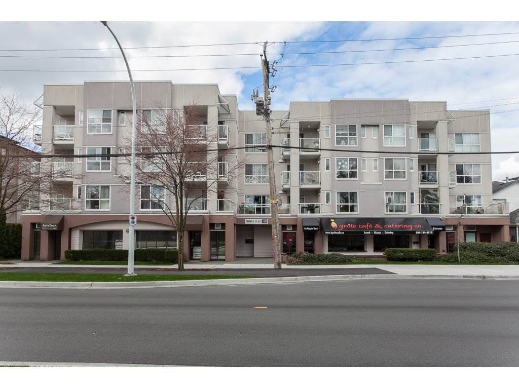 """Main Photo: 206 5499 203 Street in Langley: Langley City Condo for sale in """"Pioneer Place"""" : MLS®# R2151805"""