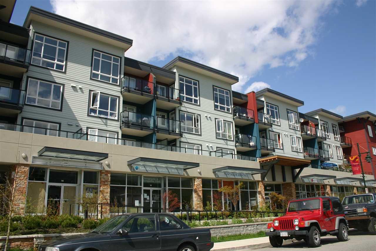 """Main Photo: 201 40437 TANTALUS Road in Squamish: Garibaldi Estates Condo for sale in """"Spectacle"""" : MLS®# R2186040"""