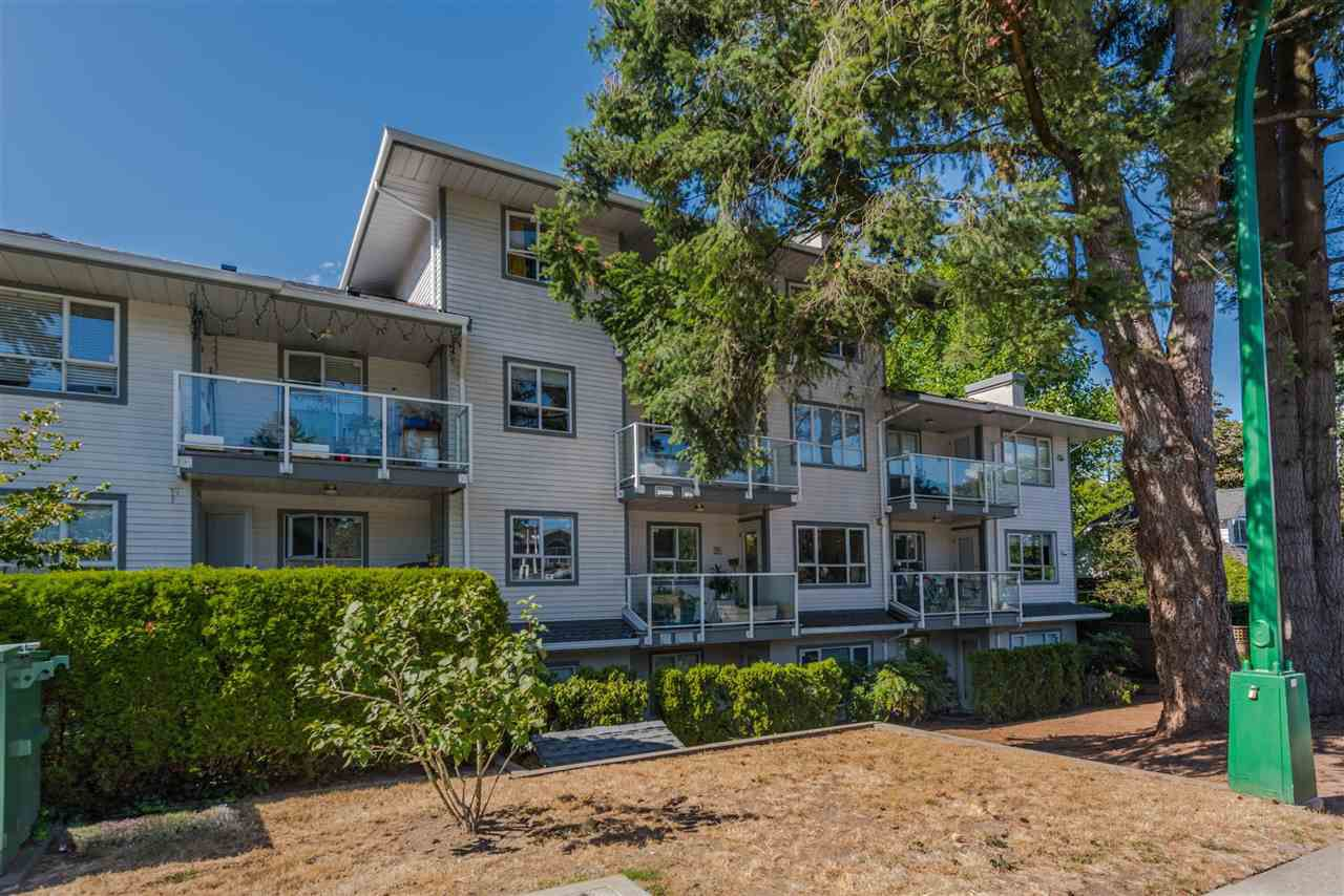 "Main Photo: 202 5577 SMITH Avenue in Burnaby: Central Park BS Condo for sale in ""COTTONWOOD GROVE"" (Burnaby South)  : MLS®# R2204336"