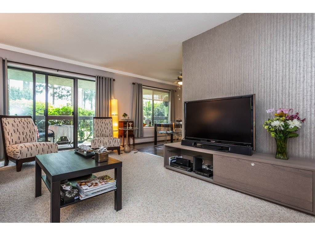 """Main Photo: 132 31955 OLD YALE Road in Abbotsford: Abbotsford West Condo for sale in """"EVERGREEN VILLAGE"""" : MLS®# R2299389"""