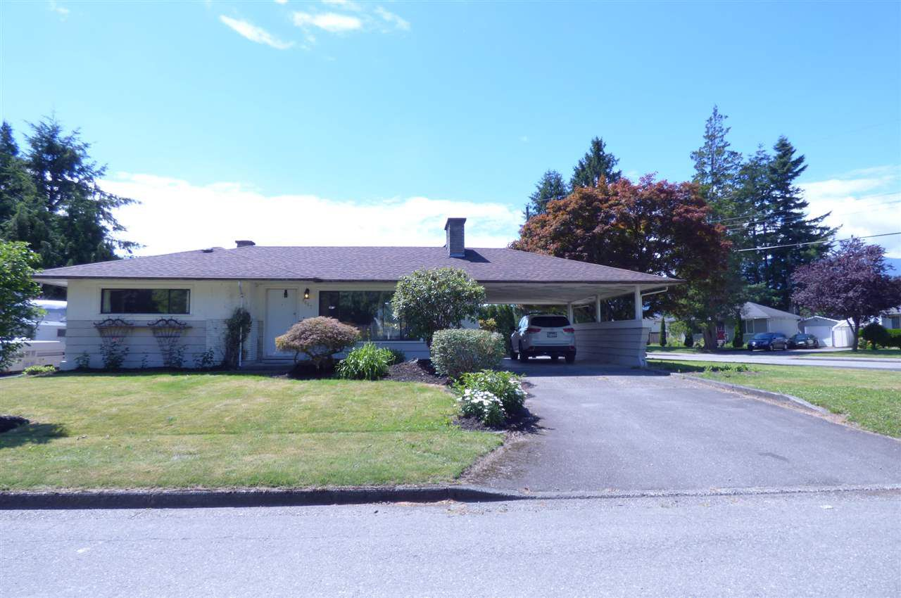 Main Photo: 9687 WOODBINE Street in Chilliwack: Chilliwack N Yale-Well House for sale : MLS®# R2302737