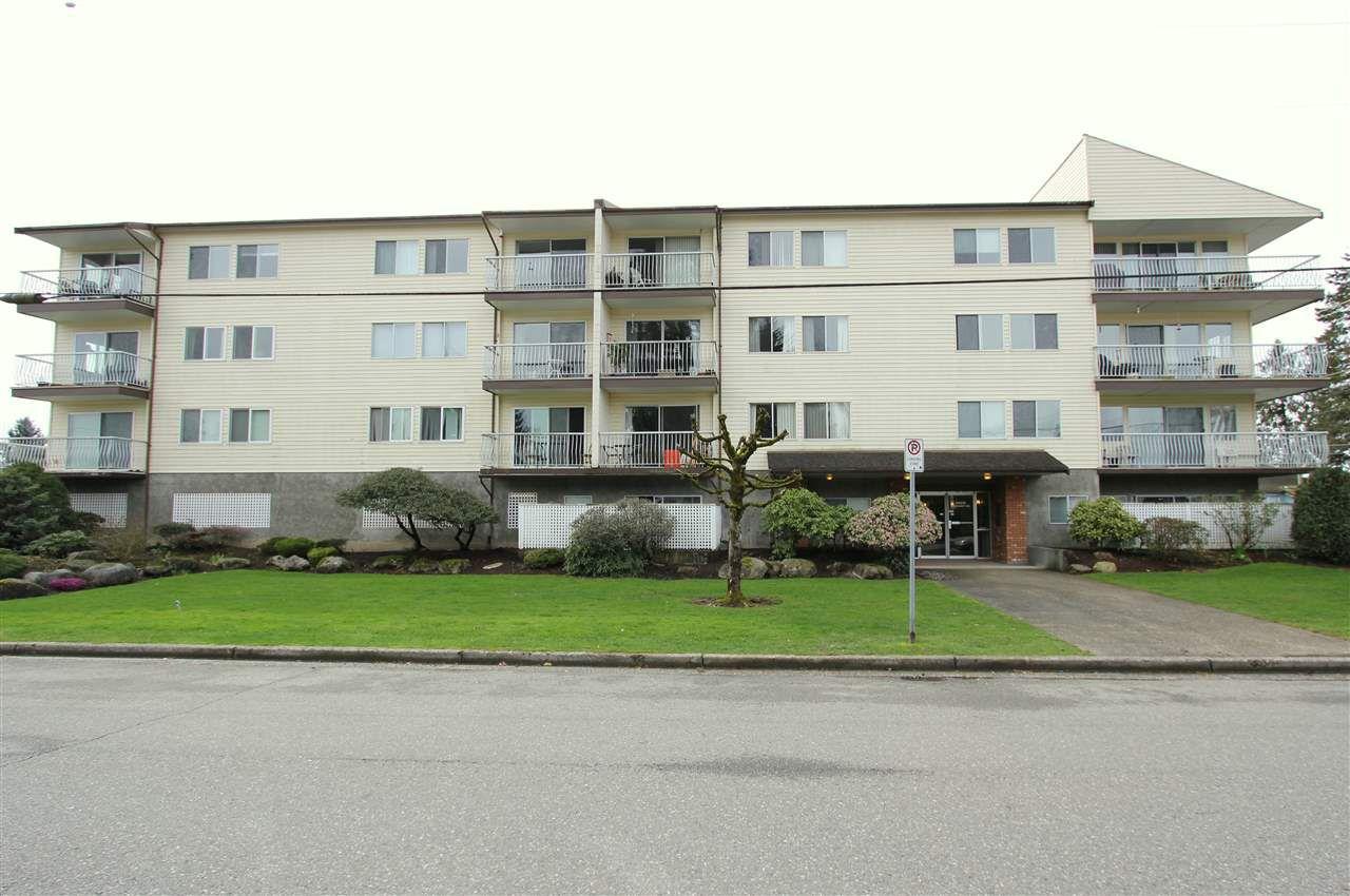 """Main Photo: 17 46210 MARGARET Avenue in Chilliwack: Chilliwack E Young-Yale Condo for sale in """"CAPRI"""" : MLS®# R2348896"""