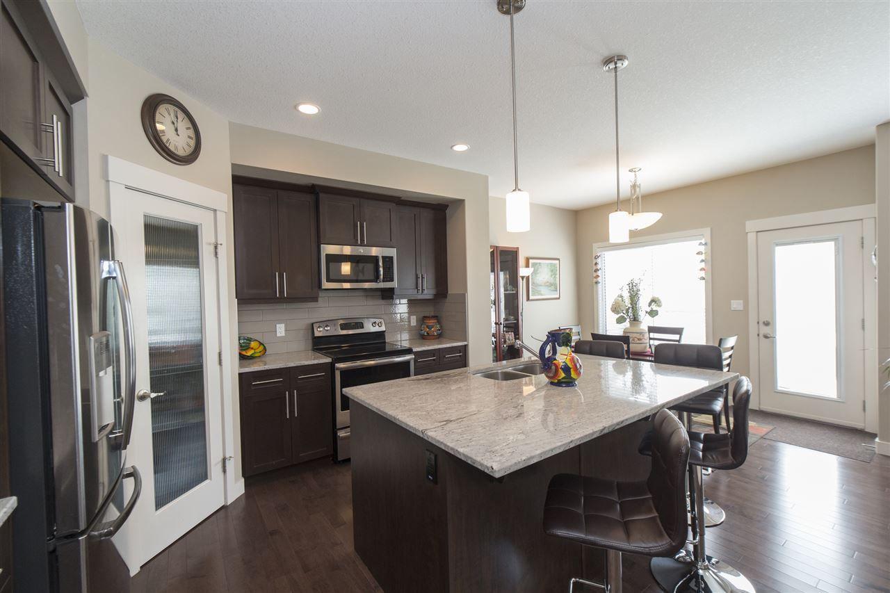 Main Photo: 13817 138 Avenue in Edmonton: Zone 27 House Half Duplex for sale : MLS®# E4154196