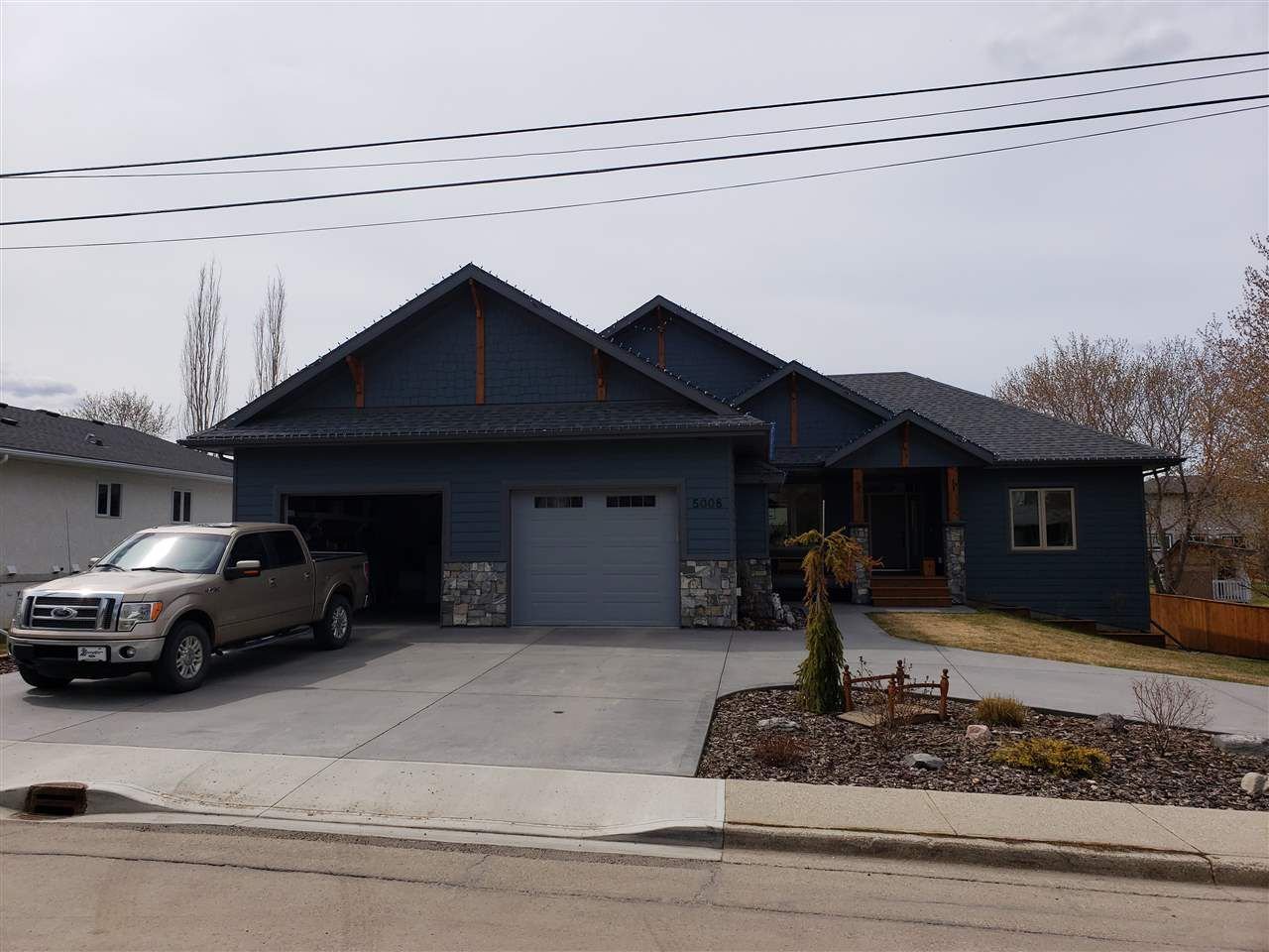 Main Photo: 5008 52 Street: Stony Plain House for sale : MLS®# E4157279