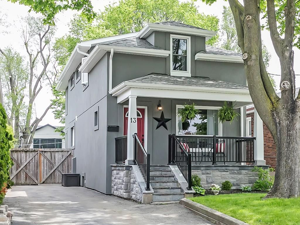 Main Photo: 13 ST GEORGE Street in Toronto: Residential for sale : MLS®# H4054799