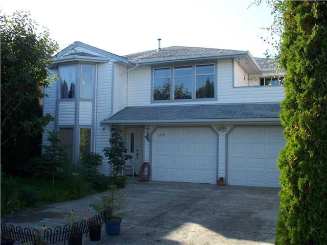 "Main Photo: 1279 BEACH GROVE Road in Tsawwassen: Beach Grove House for sale in ""BEACH GROVE"" : MLS®# V870104"