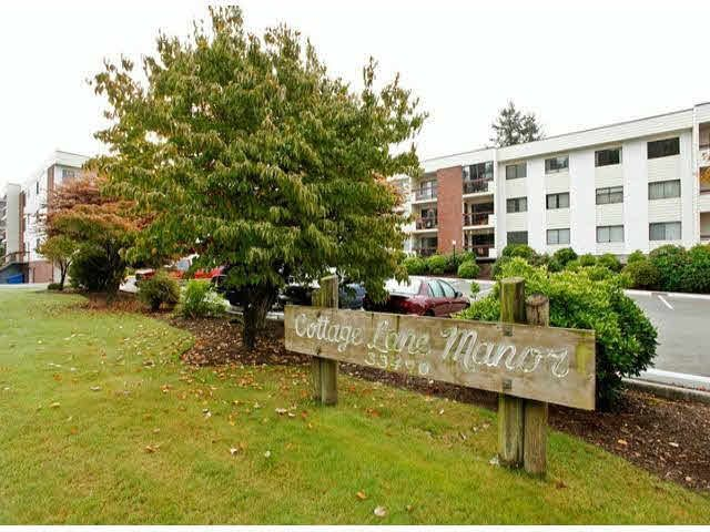 "Main Photo: 318 33490 COTTAGE Lane in Abbotsford: Central Abbotsford Condo for sale in ""COTTAGE LANE MANOR"" : MLS®# F1423845"