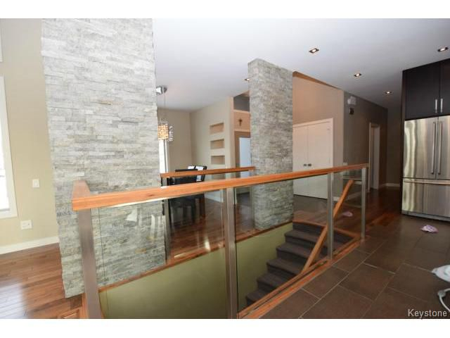 Photo 7: Photos: 187 McBeth Grove in WINNIPEG: West Kildonan / Garden City Residential for sale (North West Winnipeg)  : MLS®# 1504824