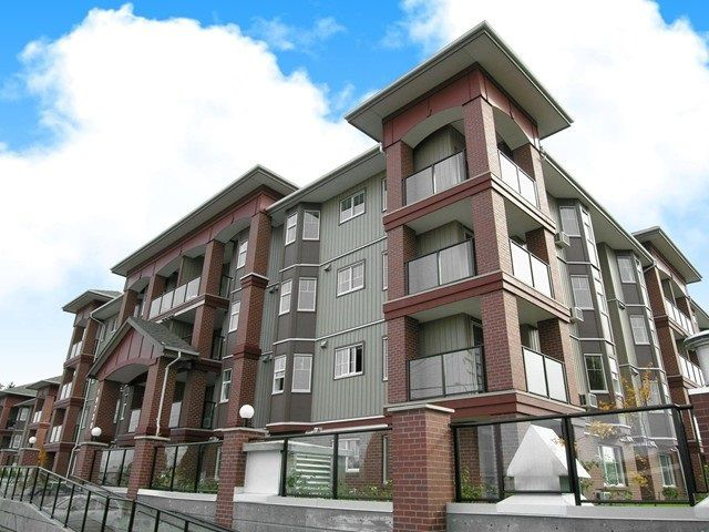 "Main Photo: 214 19730 56 Avenue in Langley: Langley City Condo for sale in ""Madison Place"" : MLS®# R2144290"