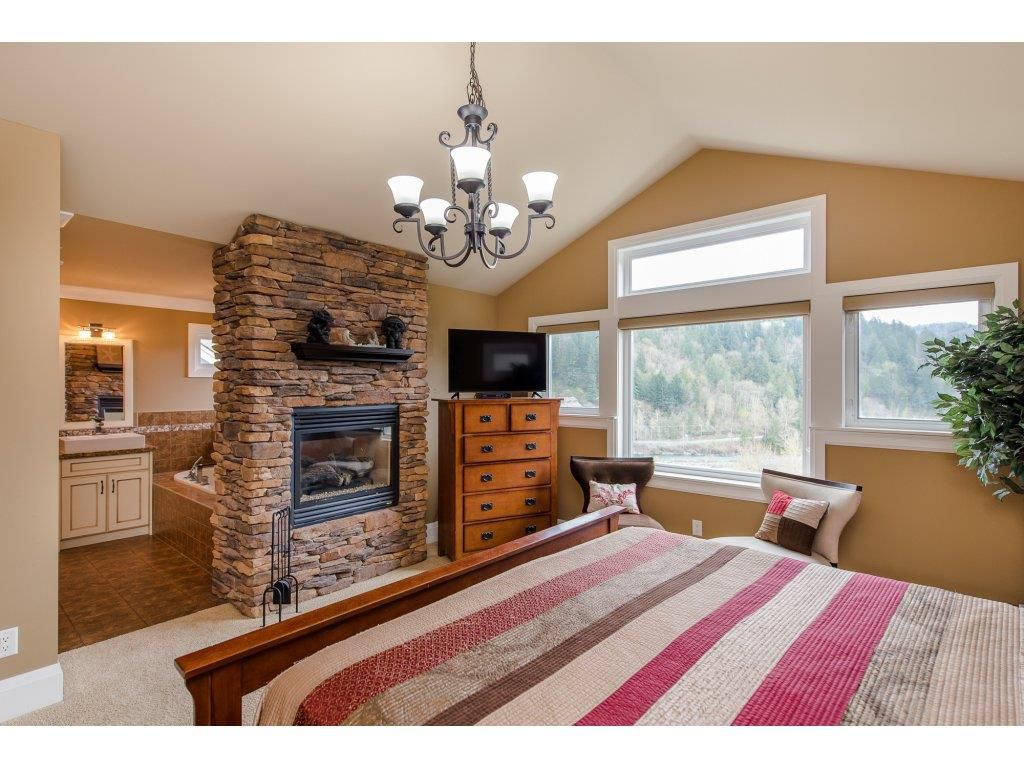 """Photo 10: Photos: 108 45473 ARIEL Place: Cultus Lake House for sale in """"RIVERSTONE HEIGHTS"""" : MLS®# R2155607"""
