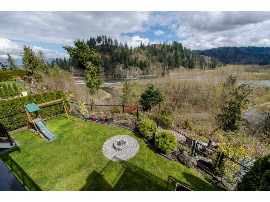 """Photo 18: Photos: 108 45473 ARIEL Place: Cultus Lake House for sale in """"RIVERSTONE HEIGHTS"""" : MLS®# R2155607"""