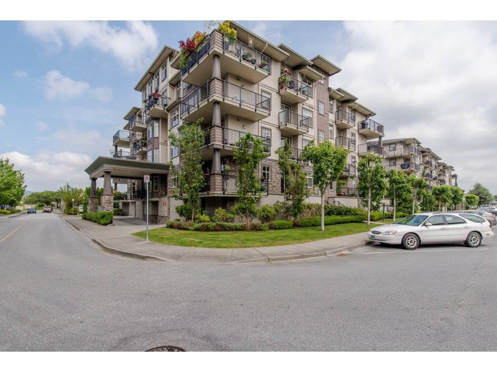 "Main Photo: 401 9060 BIRCH Street in Chilliwack: Chilliwack W Young-Well Condo for sale in ""THE ASPEN GROVE"" : MLS®# R2165217"