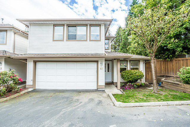 "Main Photo: 42 22280 124 Avenue in Maple Ridge: West Central Townhouse for sale in ""HILLSIDE TERRACE"" : MLS®# R2169547"
