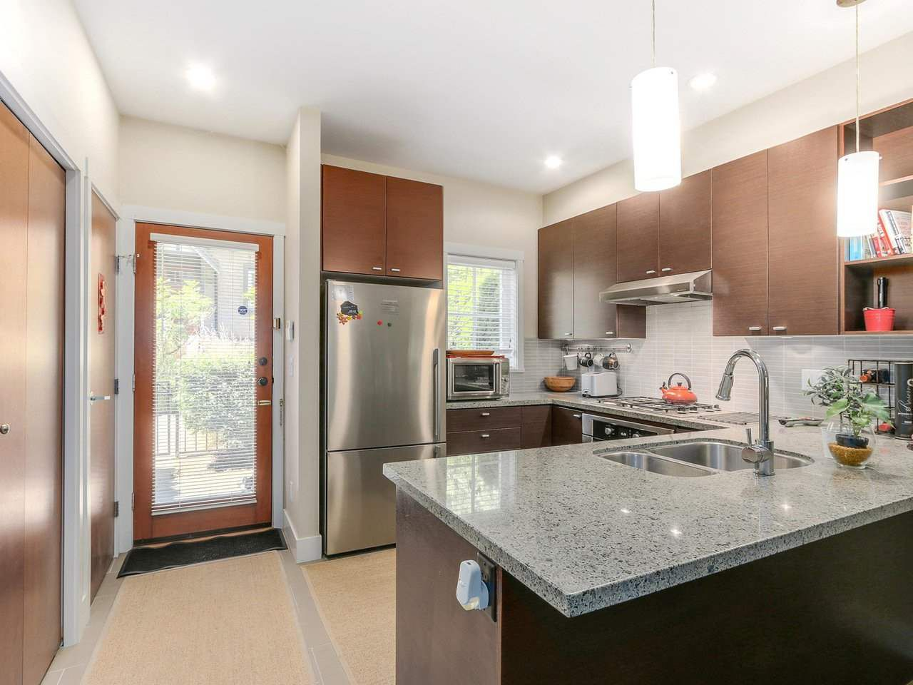"""Photo 7: Photos: 6181 OAK Street in Vancouver: South Granville Townhouse for sale in """"CARRINGTON"""" (Vancouver West)  : MLS®# R2295526"""