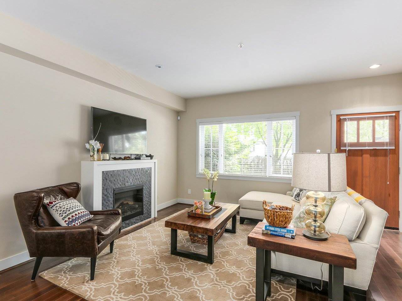 """Photo 2: Photos: 6181 OAK Street in Vancouver: South Granville Townhouse for sale in """"CARRINGTON"""" (Vancouver West)  : MLS®# R2295526"""
