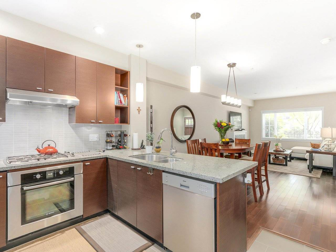 """Photo 9: Photos: 6181 OAK Street in Vancouver: South Granville Townhouse for sale in """"CARRINGTON"""" (Vancouver West)  : MLS®# R2295526"""