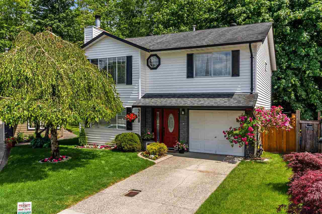 "Main Photo: 9220 214 Street in Langley: Walnut Grove House for sale in ""Walnut Grove"" : MLS®# R2303292"
