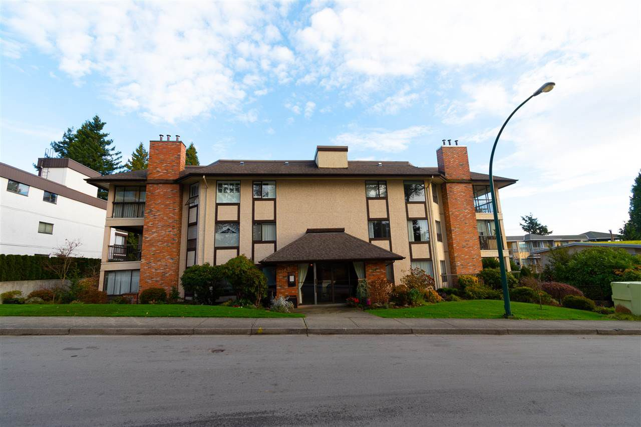 "Main Photo: 107 1480 VIDAL Street: White Rock Condo for sale in ""THE WELLINGTON"" (South Surrey White Rock)  : MLS®# R2325791"