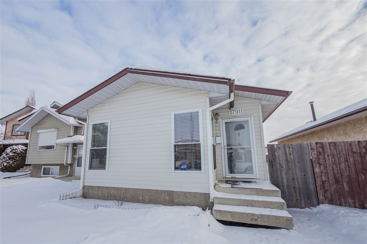 Main Photo: 17911 92A Street in Edmonton: Zone 28 House for sale : MLS®# E4143306