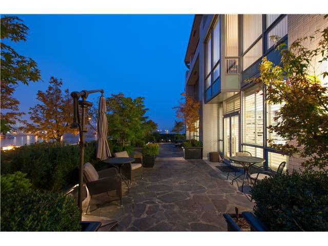 """Main Photo: # 110 1328 MARINASIDE CR in Vancouver: Yaletown Condo for sale in """"THE CONCORD (VILLA)"""" (Vancouver West)  : MLS®# V1032846"""