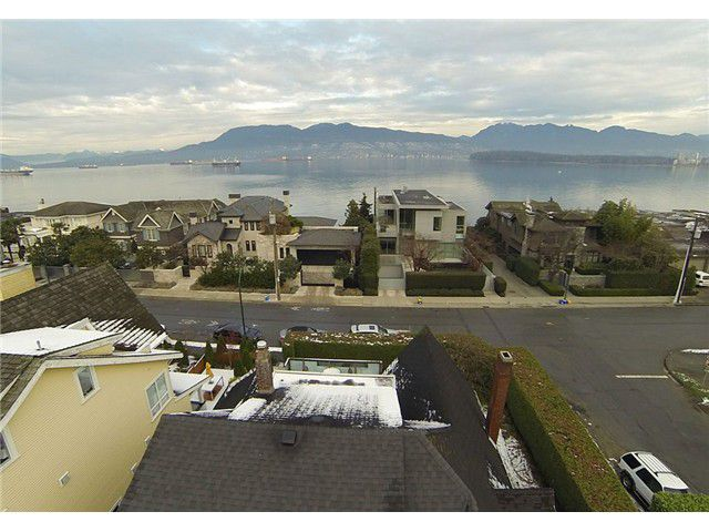 "Main Photo: 2956 POINT GREY Road in Vancouver: Kitsilano House for sale in ""THE GOLDEN MILE"" (Vancouver West)  : MLS®# V1095773"