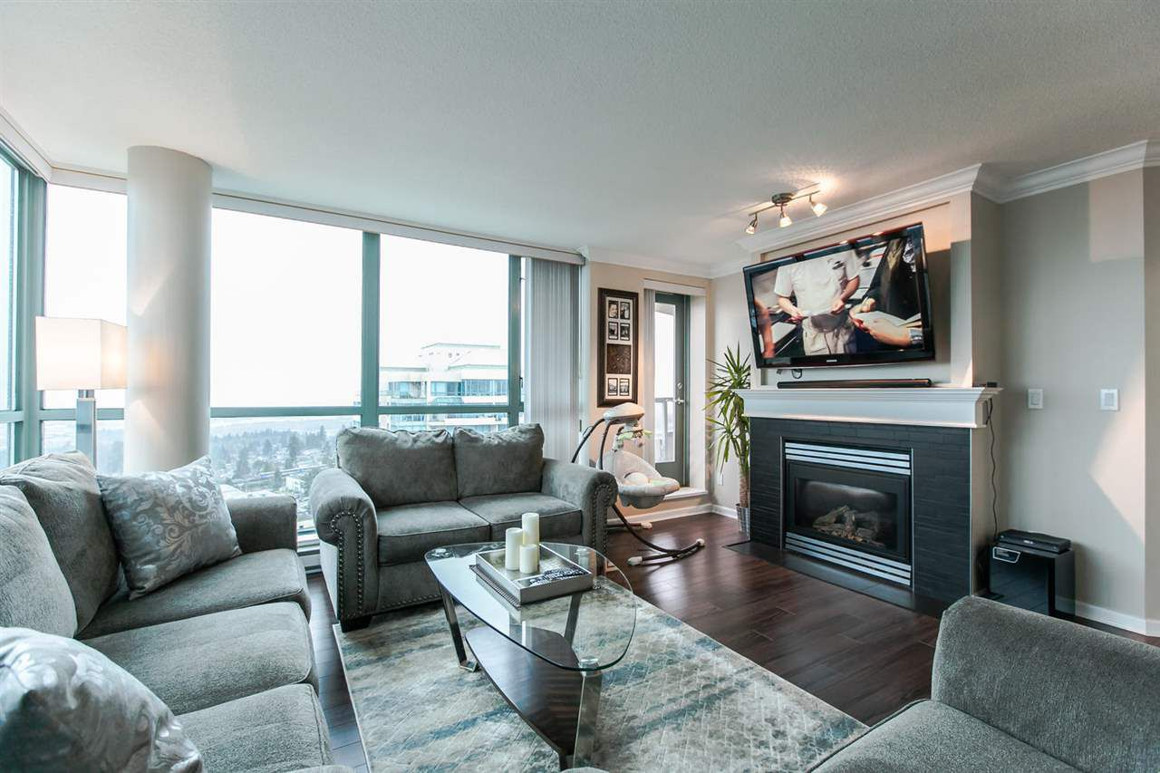 "Main Photo: 1803 6611 SOUTHOAKS Crescent in Burnaby: Highgate Condo for sale in ""GEMINI"" (Burnaby South)  : MLS®# R2048456"