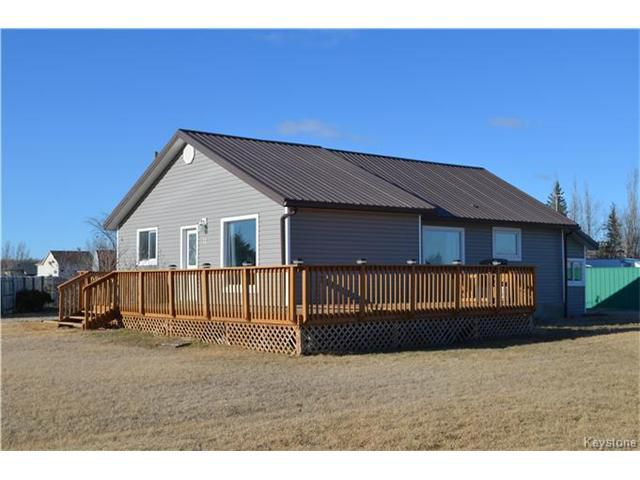 Main Photo: 11 ASH Drive in Starbuck: RM of MacDonald Residential for sale (R08)  : MLS®# 1707600