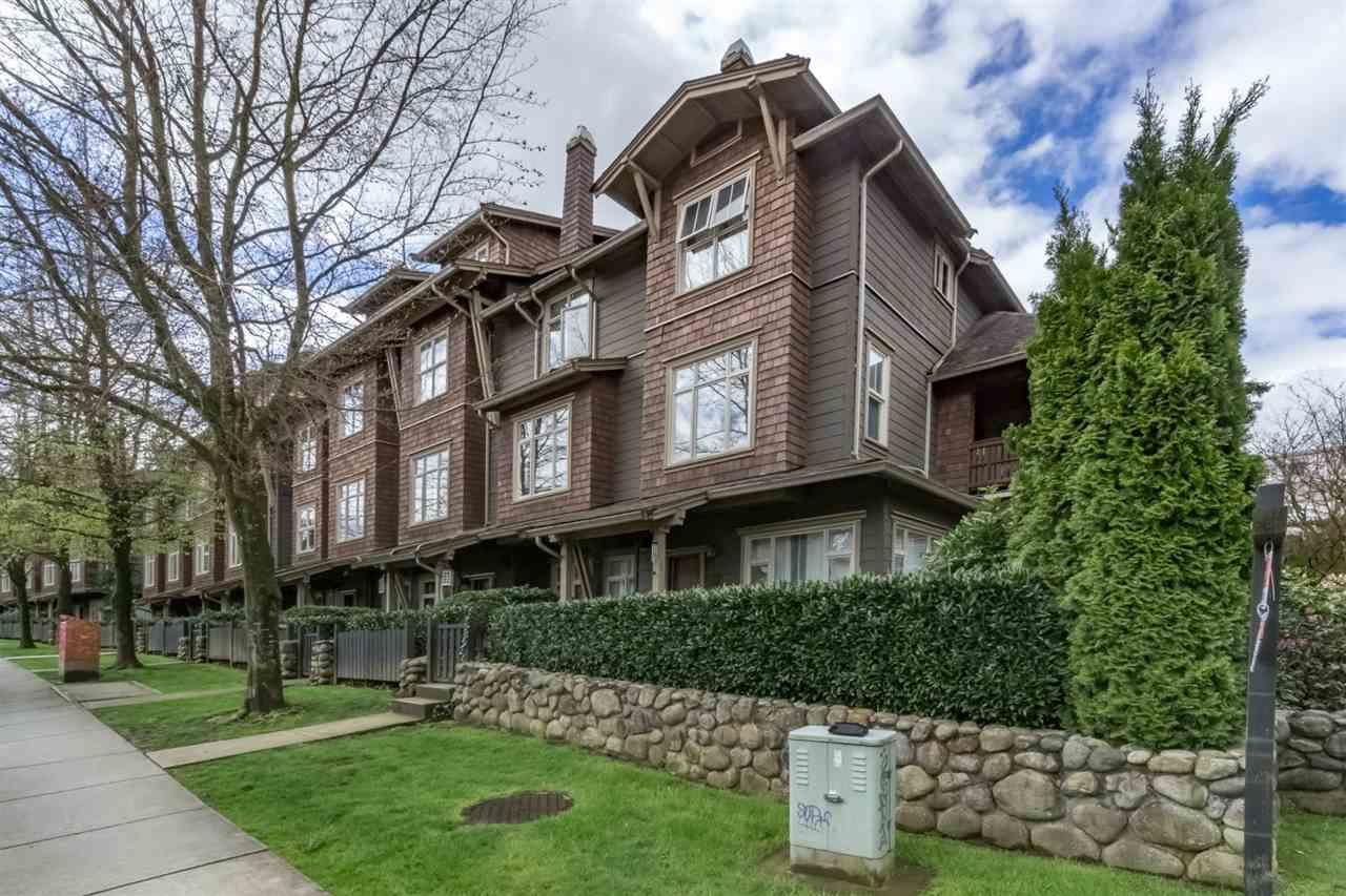 """Main Photo: 242 600 PARK Crescent in New Westminster: GlenBrooke North Townhouse for sale in """"THE ROYCROFT"""" : MLS®# R2158837"""
