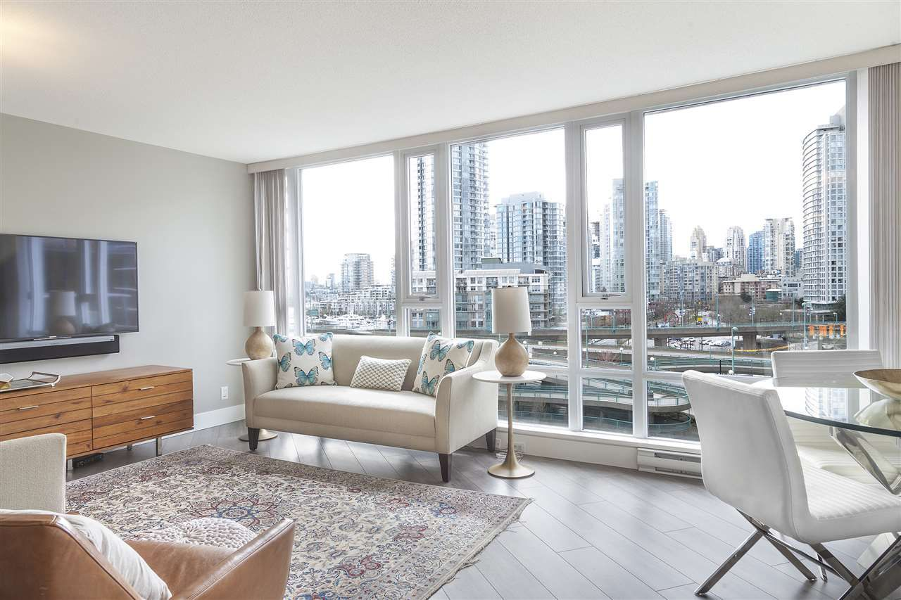Main Photo: 907 918 COOPERAGE Way in Vancouver: Yaletown Condo for sale (Vancouver West)  : MLS®# R2165383