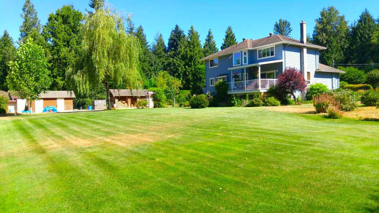 """Main Photo: 1427 TANAGER Place: Roberts Creek House for sale in """"ROBERTS CREEK TANAGER PLACE"""" (Sunshine Coast)  : MLS®# R2188401"""
