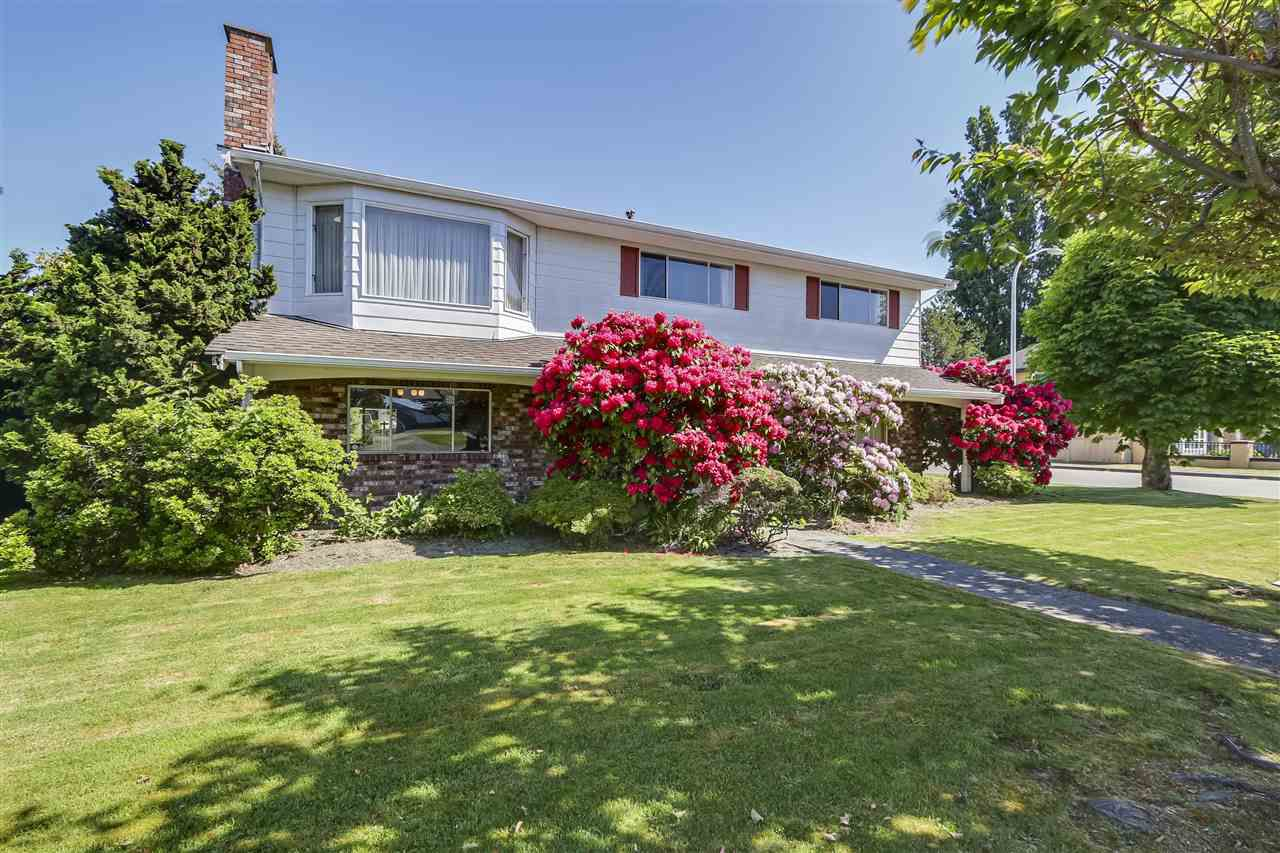 "Main Photo: 3311 SPRINGFORD Avenue in Richmond: Steveston North House for sale in ""The Springs"" : MLS®# R2272323"