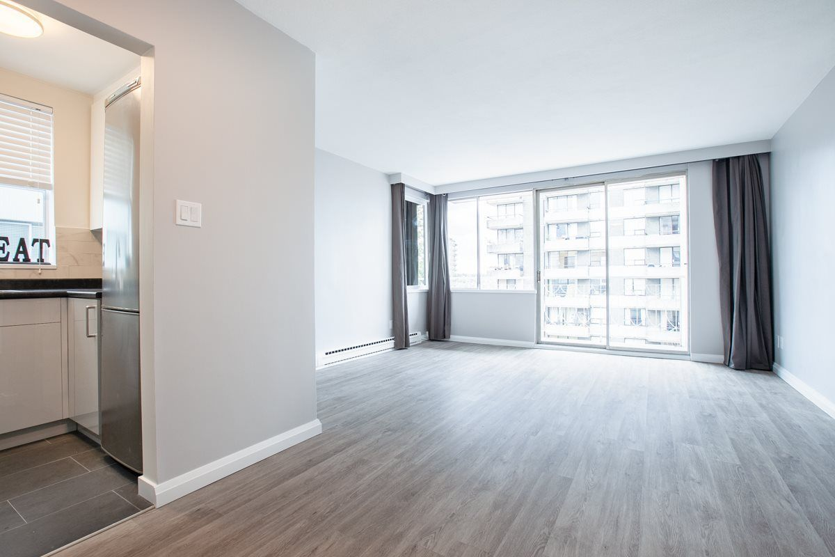 """Main Photo: 702 1219 HARWOOD Street in Vancouver: West End VW Condo for sale in """"CHELSEA"""" (Vancouver West)  : MLS®# R2313439"""