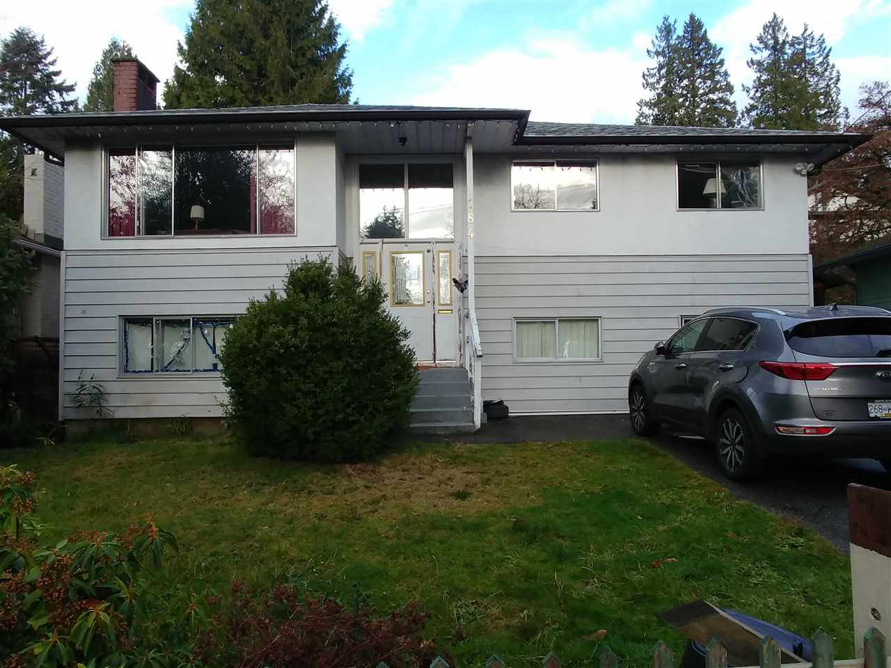 Main Photo: 184 E KINGS Road in North Vancouver: Upper Lonsdale House for sale : MLS®# R2326643