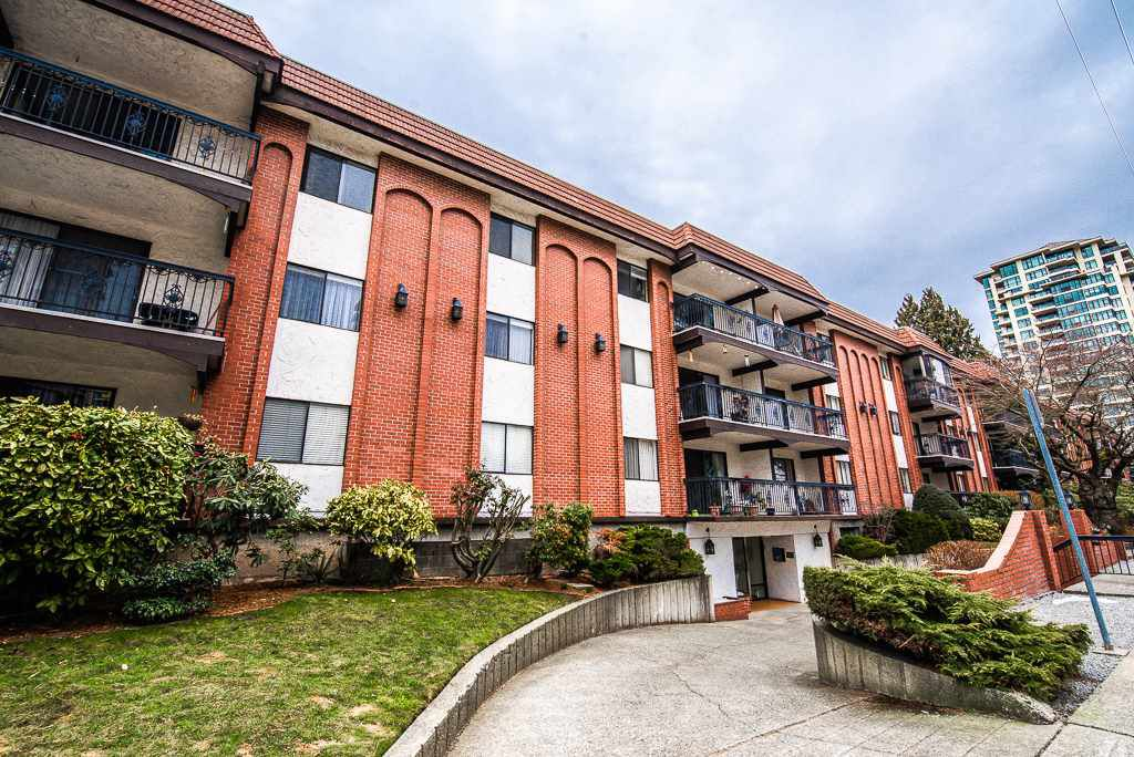 "Main Photo: 211 707 HAMILTON Street in New Westminster: Uptown NW Condo for sale in ""CASA DIANN"" : MLS®# R2345218"