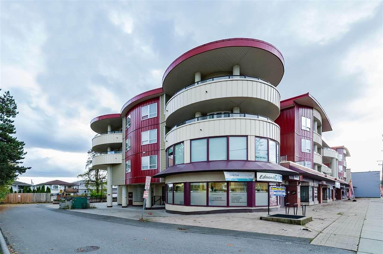 "Main Photo: 209 7738 EDMONDS Street in Burnaby: East Burnaby Condo for sale in ""TOSCANA"" (Burnaby East)  : MLS®# R2362746"
