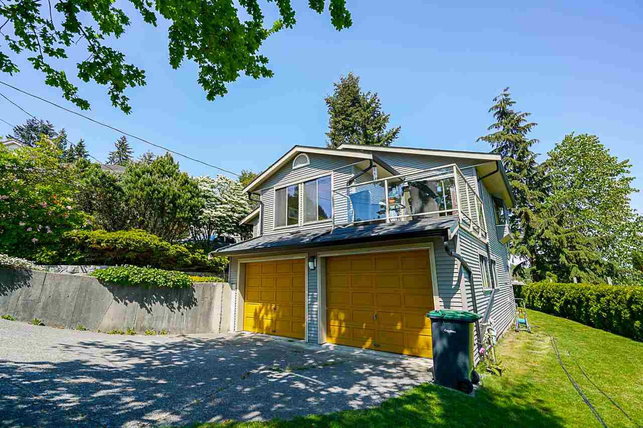 Main Photo: 2217 HILLSIDE Avenue in Coquitlam: Cape Horn House for sale : MLS®# R2387517