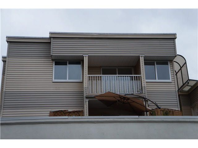 Main Photo: 202 555 NORTH Road in Coquitlam: Coquitlam West Condo for sale : MLS®# V1086005