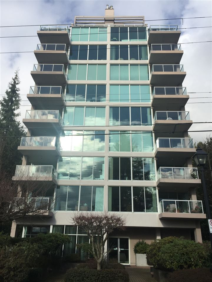 Main Photo: 801 1455 DUCHESS Avenue in West Vancouver: Ambleside Condo for sale : MLS®# R2032618